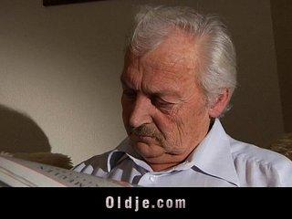 Adorable Iwia fucking grandpa