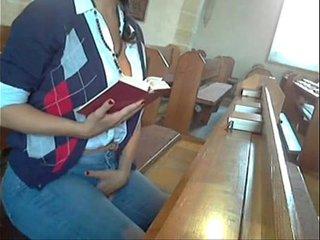 vídeo porno en una iglesia